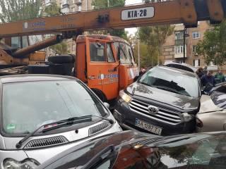 «КамАЗ», который протаранил 20 авто в Киеве, не проходил техосмотр с 2016 года, – Укртрансбезпека