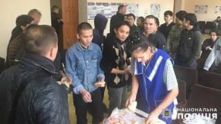 Под Киевом около тридцати голодных вьетнамцев сбежали из рабства