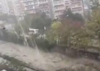 Российский Сочи накрыл гигантский потоп: стихия сносит все на своем пути