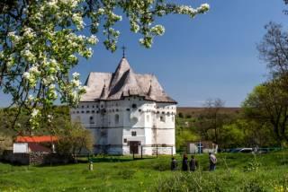 Масоны, Калиостро и церковь-замок на Хмельнитчине