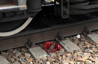 На Львовщине грузовой поезд оторвал подростку ноги