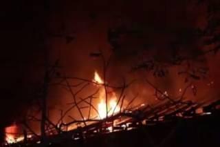 В Киеве бушевал гигантский пожар: горели СТО и мини-отель