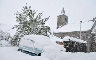 Южную Францию замело снегом. Сотни тысяч людей остались без света