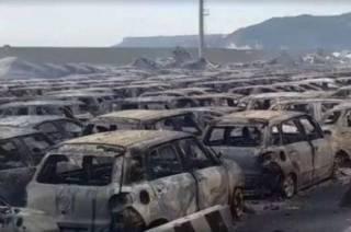 В итальянском порту дотла сгорели сотни новеньких Maserati. Появились впечатляющие фото