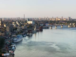 Блоггер уличил владельцев Киевского речного порта в причастности к рейдерству