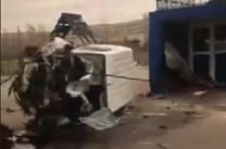 На киевской окраине микроавтобус влетел в пост полиции