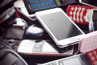 Ученые доказали, что мобильные телефоны таки провоцируют рак