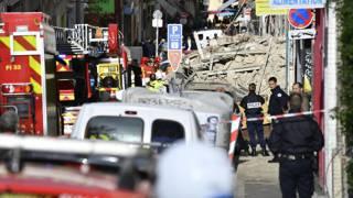 Во Франции рухнули два трехэтажных дома, внутри которых могли быть люди