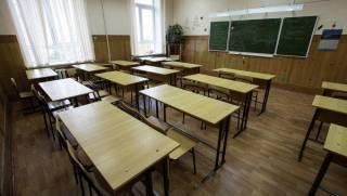 На Волыни родители не пускают детей в школу из-за скандальной директрисы
