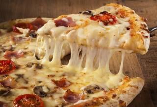 Под Киевом новоселы заказали пиццу и избили курьера