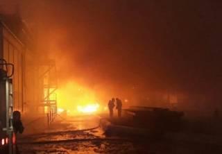 Под Одессой полыхал маслозавод. Появилось видео