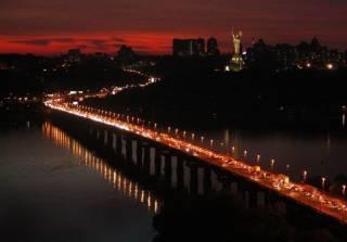 На реконструкцию одного из киевских мостов хотят потратить гигантскую сумму