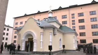 Православных выгнали из киевского храма, передав его раскольникам