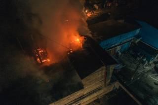 Ночью в Киеве произошел большой пожар – горели склады