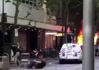 Террор в Австралии: отморозок устроил взрыв и порезал прохожих