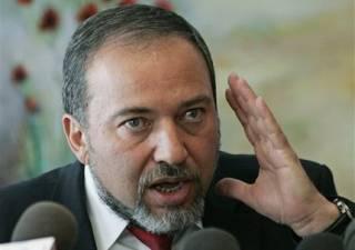Министр обороны Израиля подал в отставку, чтобы не мириться с палестинцами
