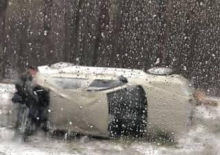 Почти три сотни ДТП за полдня: снегопад в Киеве не помешал разве что ремонтировать дороги