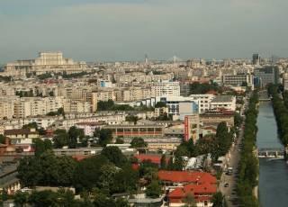 В трех квартирах в Бухаресте умудрились прописаться пятнадцать тысяч нелегалов