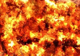 Смертница, попросив прощения у Аллаха, взорвала себя на одном из КПП в Чечне. Момент попал на видео