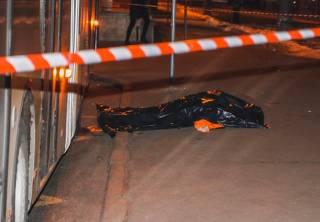В Киеве троллейбус раздавил коммунальщика