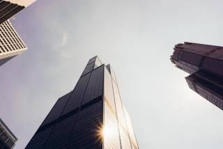 В США с 95-го этажа сорвался лифт с людьми. Они чудом выжили