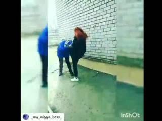 В Запорожье по-жесткому «оприходовали» юную девчонку. Появилось видео