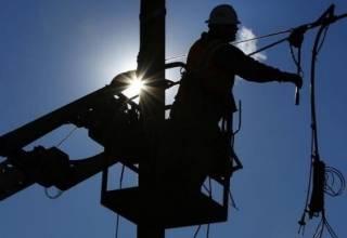 Из-за непогоды десятки населенных пунктов в Украине остались без электричества