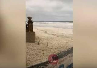 Мощный шторм в Одессе смыл популярный пляж