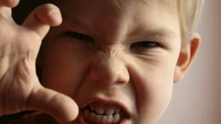 Скандал во львовском лицее: первоклассник бьет детей, ворует у них вещи и даже справляет на них нужду