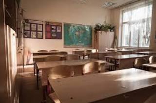 Скандал в школе на Волыни: родители отказываются водить детей на занятия из-за директрисы