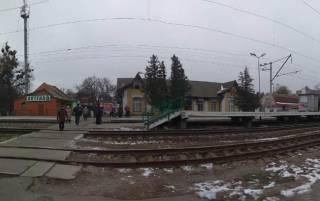 Под Киевом поезд разорвал на куски женщину, которая шла по перрону