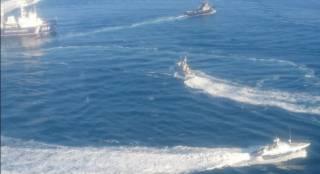 Российские корабли открыли огонь по кораблям ВМС ВСУ и взяли их на абордаж