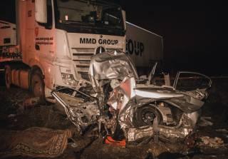 В жутком ДТП под Киевом фура раздавила автомобиль