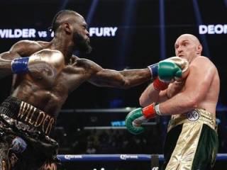Супербой Фьюри ‒ Уайлдер: несмотря на два нокдауна ‒ победила «дружба»