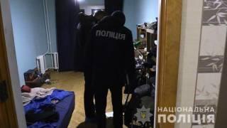 В Киеве парень зарубил мать и бабушку, после чего выбросился из окна