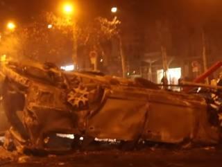 По Парижу прокатились погромы – разъяренные протестующие повредили Триумфальную арку