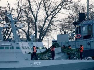 Вслед за украинскими моряками, из Керчи «исчезли» и захваченные катера