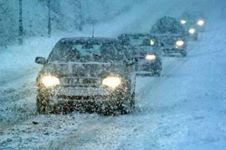 Украинских водителей предупредили о тотальных проблемах на дорогах из-за гололеда и снега