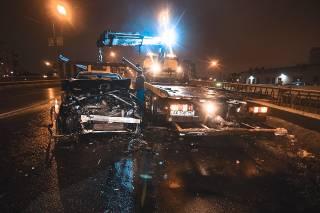 В Киеве автомобиль буквально протаранил маршрутку
