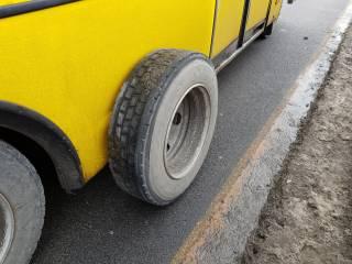 В Днепре прямо на ходу у маршрутки отвалилось колесо