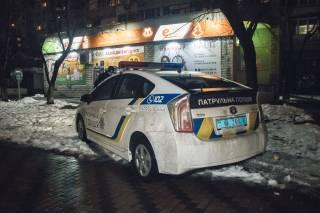 В Киеве прямо в подъезде подрезали подростка