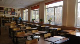 В Запорожье закрываются школы и детсады