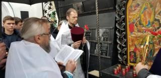 Возле Афганского храма в Киеве открыли Стену памяти и скорби