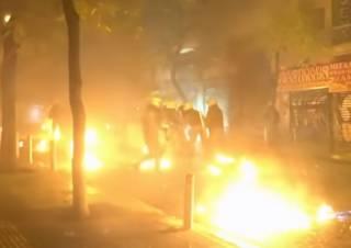 Афины захлестнули огненные протесты из-за давней истории с убийством подростка