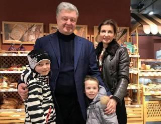 Порошенко и его жену «совершенно случайно» встретили в супермаркете