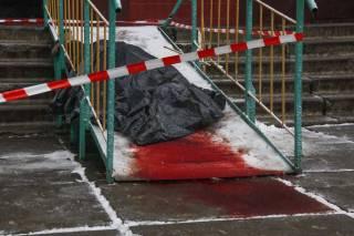 Выбросившись с четырнадцатого этажа, в Киеве погиб бывший боец АТО. Он уже пытался свести счеты с жизнью