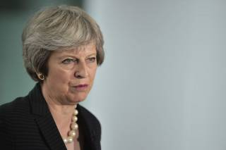 Тереза Мэй пообещала уйти с поста премьер-министра Великобритании. Но не сейчас