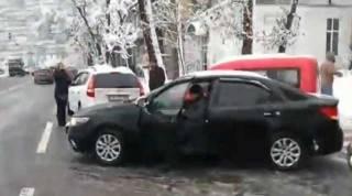 Водители, устроившие массовое ДТП в центре Киева, вызвали негодование в Сети