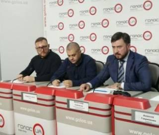В «Разумной силе» кровавое нападение неонацистов на офис партии связывают с требованиями к властям о мире на Донбассе