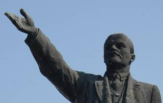 В Николаеве нашли «последний памятник Ленину». И теперь не знают, что с ним делать